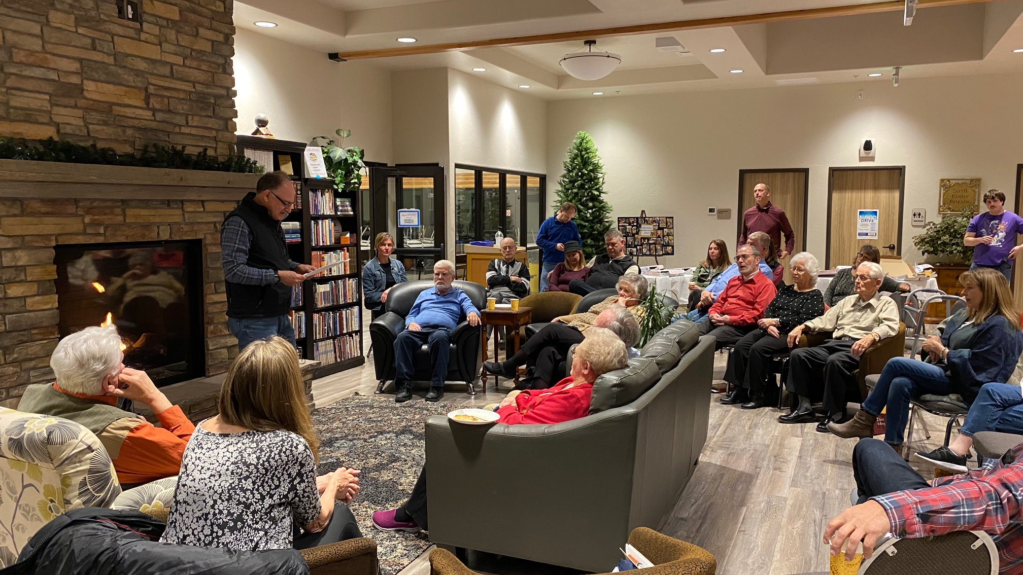 Grand Junction church members share and enjoy poetry—and pizza